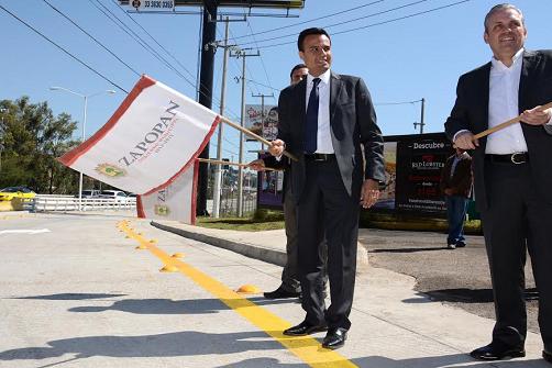 Apertura de incorporación a Periférico en Juan Palomar