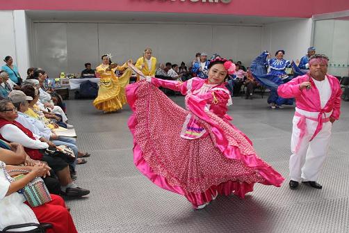 Ballet Aztlán del CEMAM