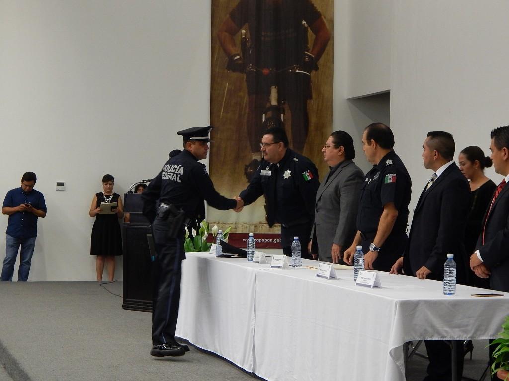 Certificación a instructores de la Comisaría