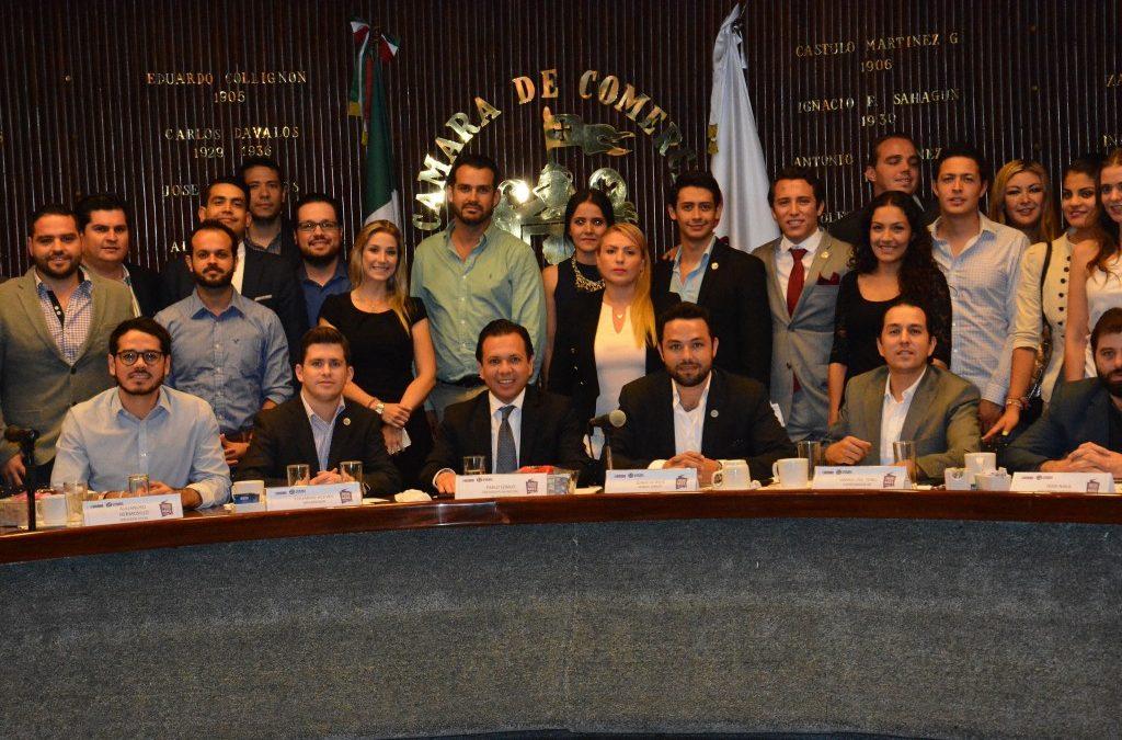 Pablo Lemus dialoga con Jóvenes Empresarios de la Cámara Nacional de Comercio (CANACO) de Guadalajara