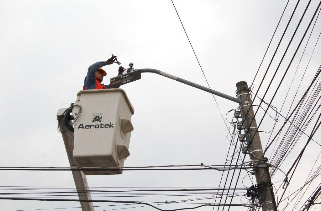 Inicia en Zapopan instalación de luminarias con tecnología LED