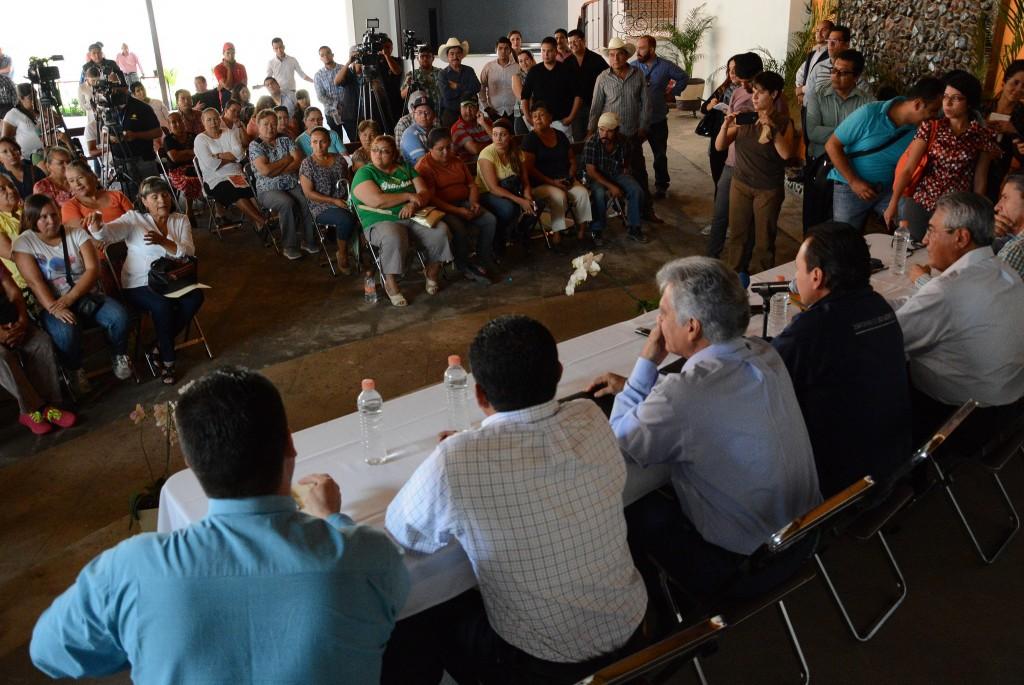 Diálogo con vecinos del poblado de Nextipac