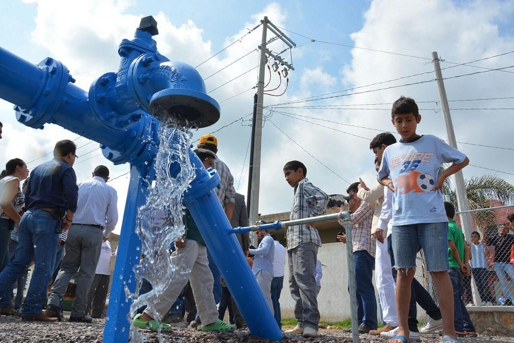 Pablo Lemus entrega un pozo de agua en Nextipac para beneficio directo de 5 mil habitantes