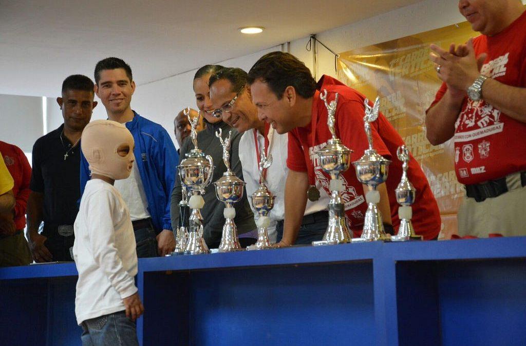 Deporte y solidaridad presentes en la Primera Carrera Vertical a beneficio de los niños con quemaduras graves
