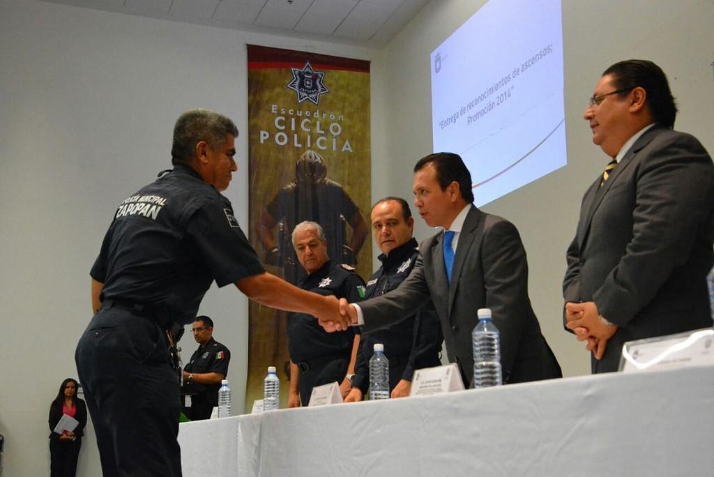 Entrega de reconocimientos de ascensos Promoción 2014 - Policía de Zapopan