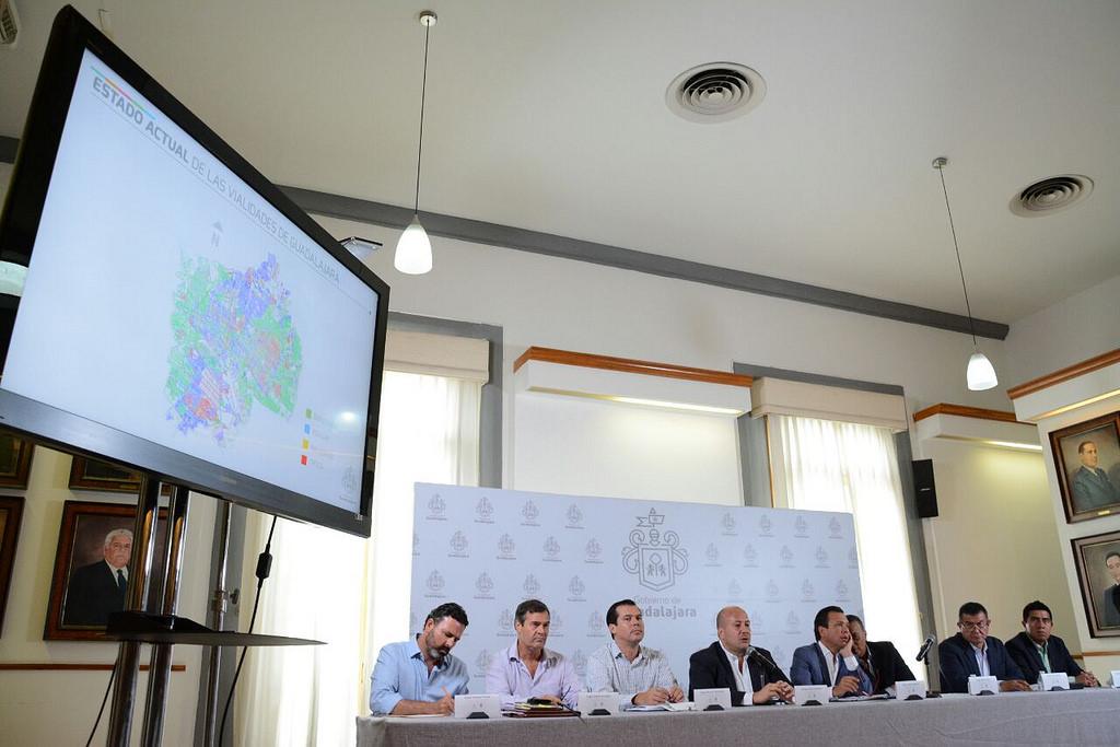 Zapopan y Guadalajara iniciarán Programa de Renovación de Calles