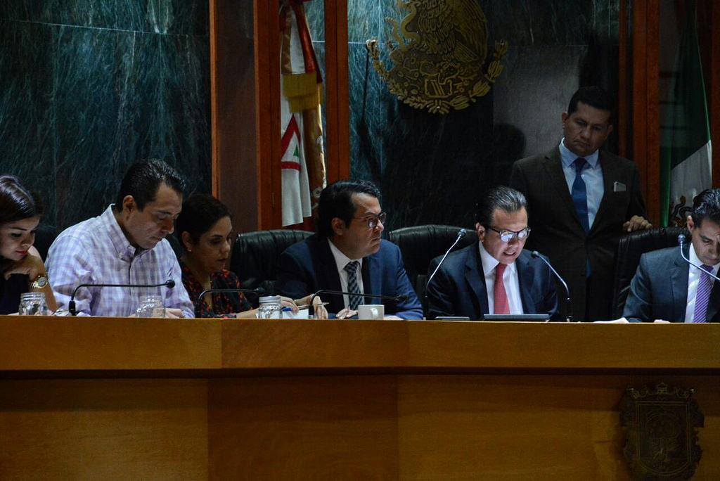 Presentan fracciones edilicias del Ayuntamiento de Zapopan informe de actividades