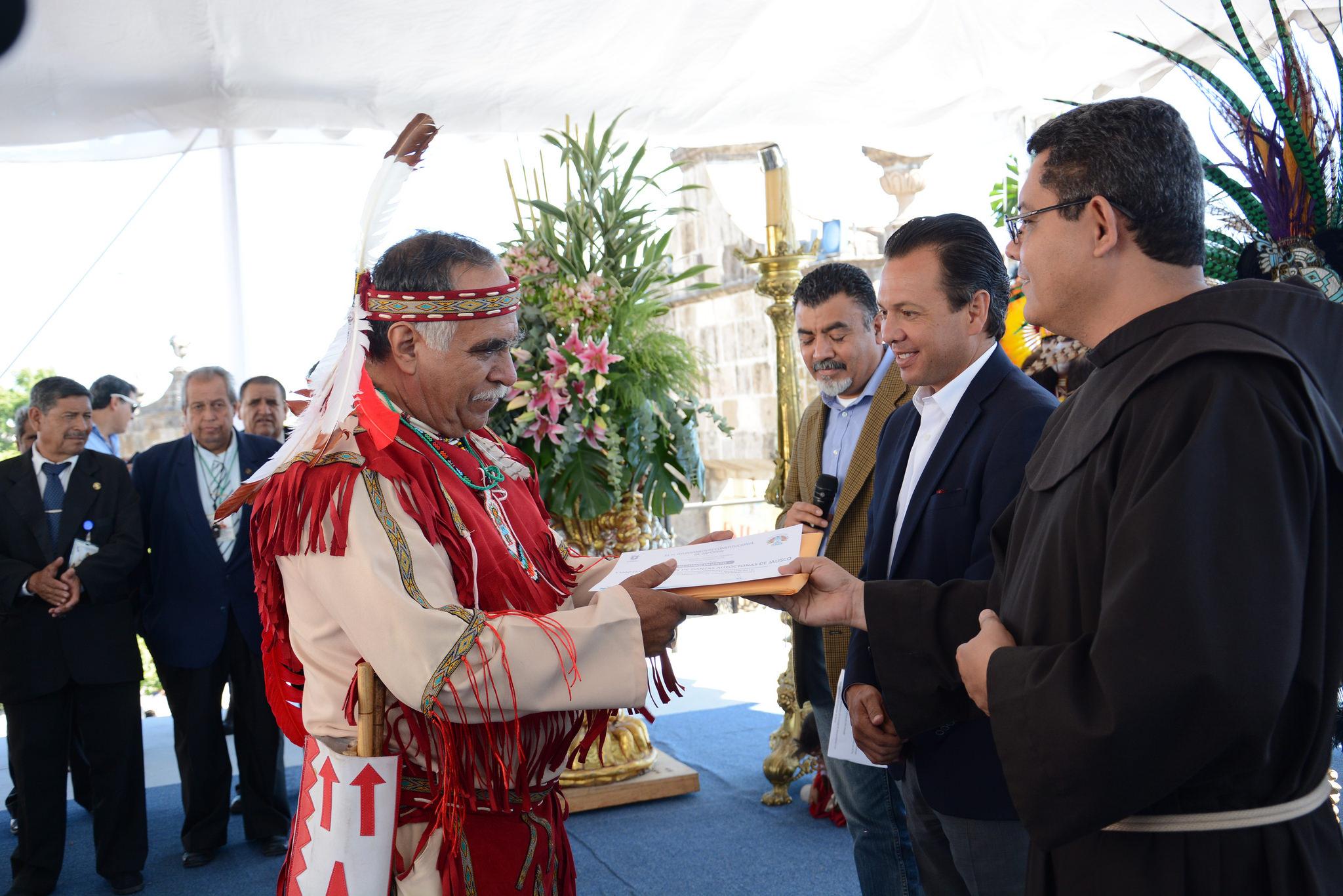 """Autoridades de Zapopan reconocen el esfuerzo y dedicación de los danzantes que dan identidad a """"La Romería: Ciclo Ritual de la Llevada de la Virgen"""""""
