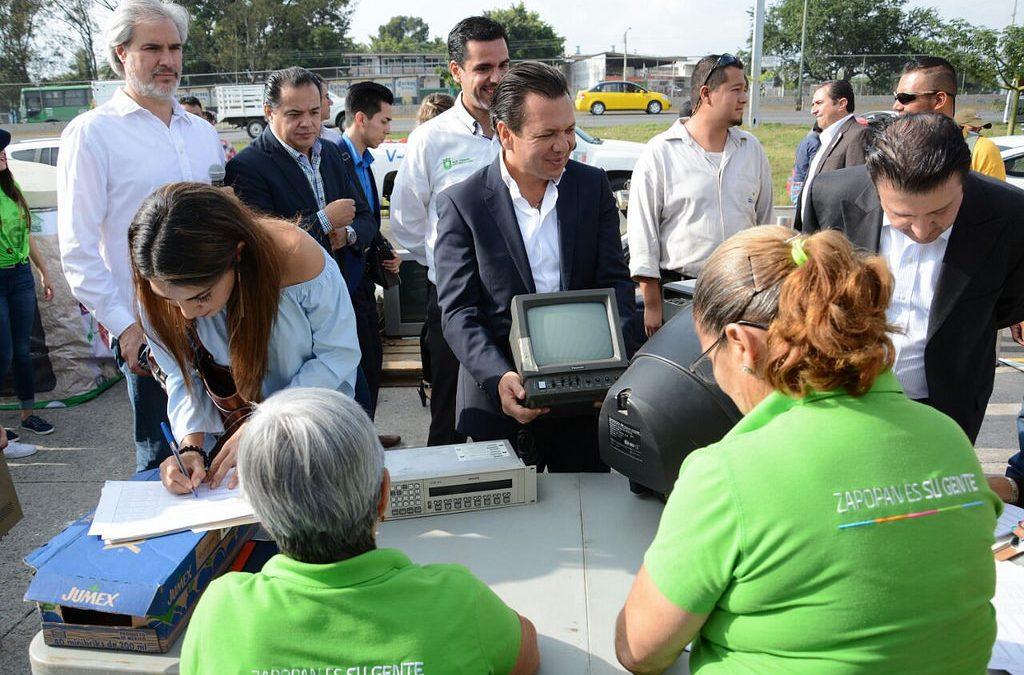 Comienza en Zapopan jornada de reciclaje de aparatos electrónicos