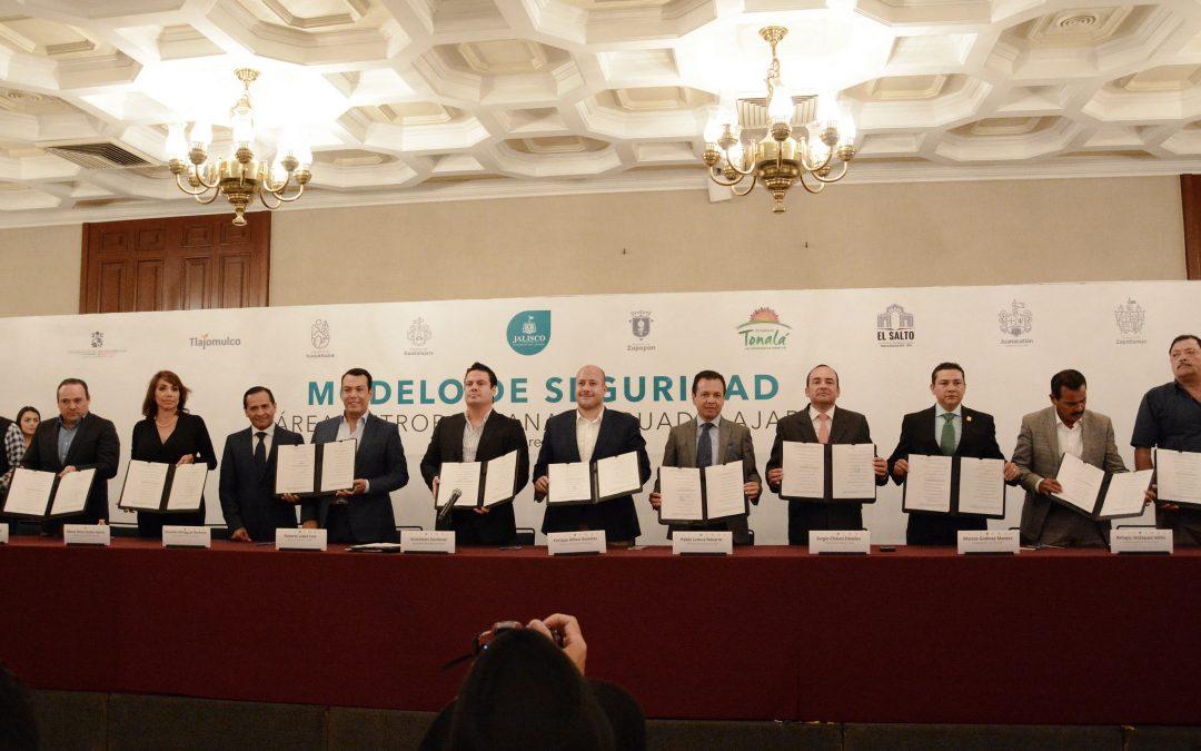 Firman alcaldes del AMG y el Gobernador convenio para nuevo modelo de coordinación en materia de seguridad metropolitana