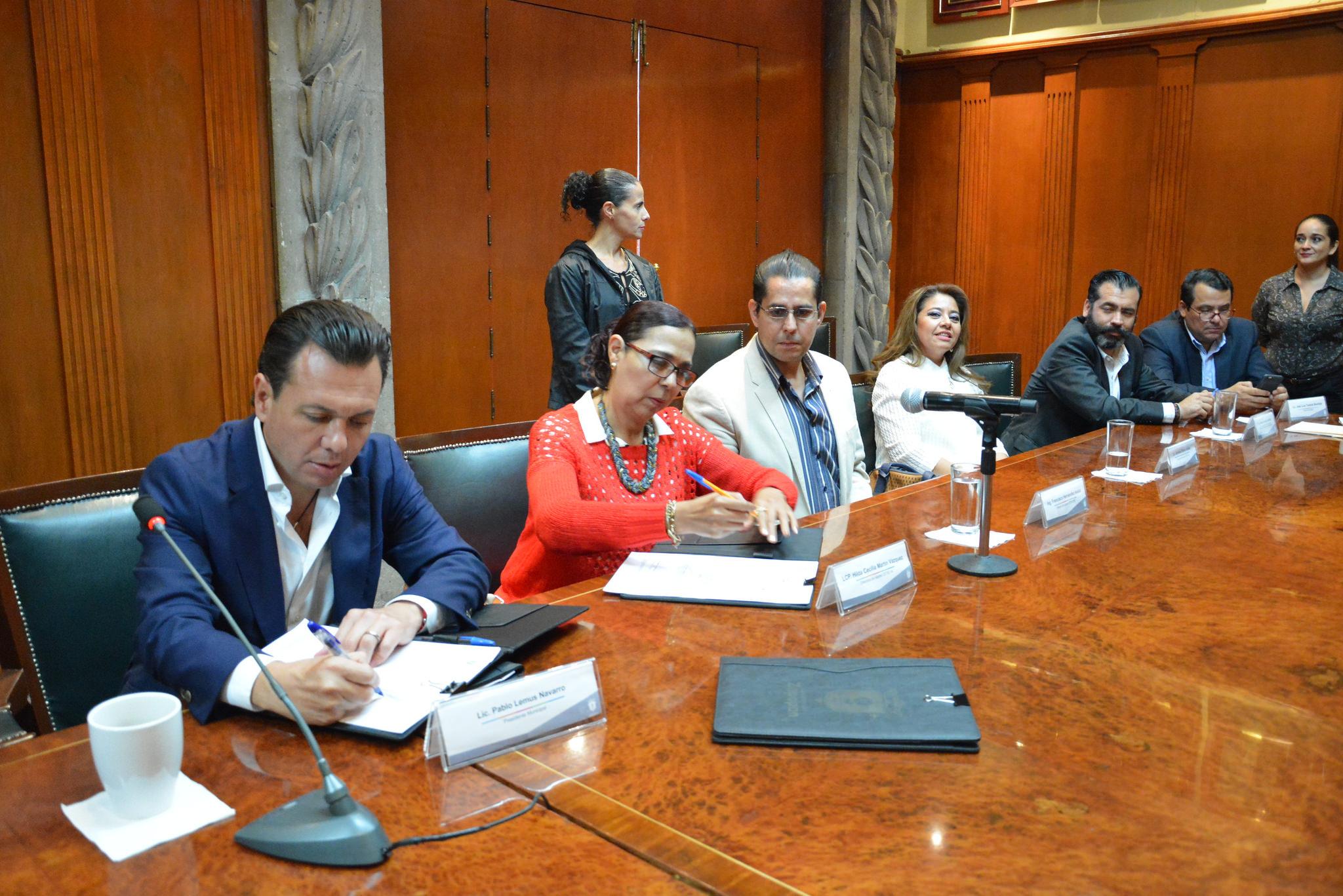 """Zapopan firma convenio de colaboración para llevar el programa """"Aquí Te Preparas"""" a más planteles del municipio"""