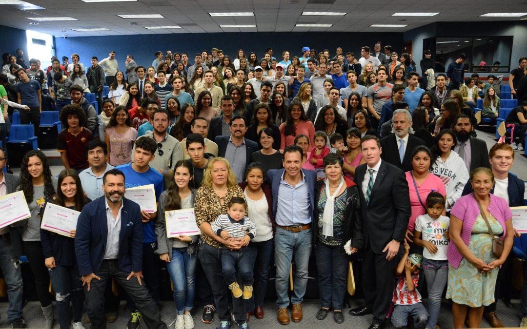 Zapopan y Prepa Tec Guadalajara reconocen a jóvenes por su labor comunitaria en El Rehilete