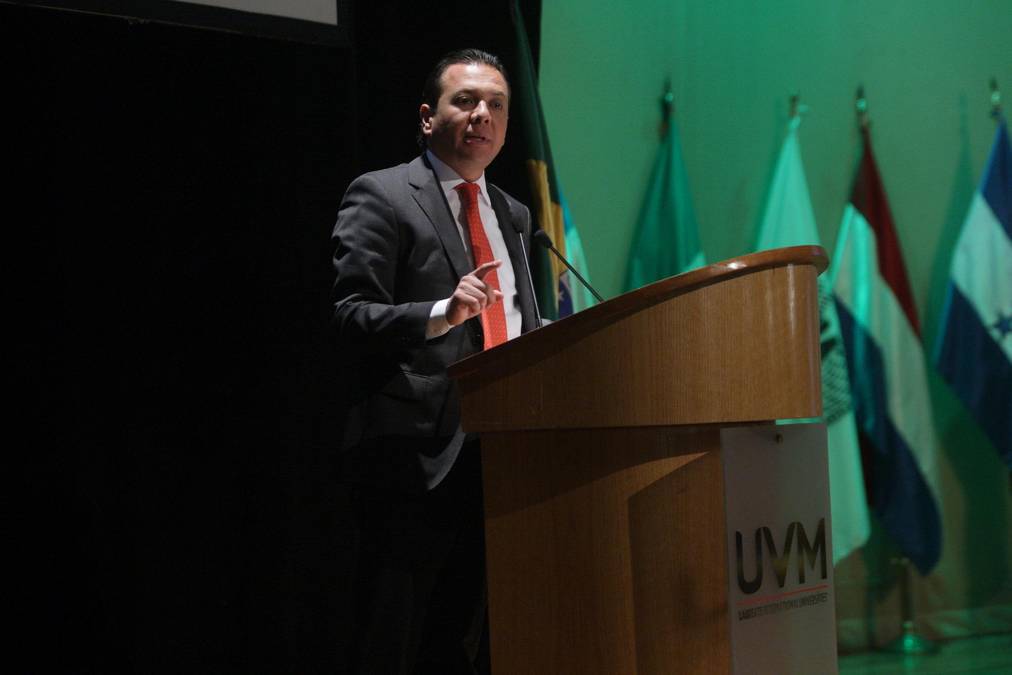 Pablo Lemus participa en el Primer Foro Ambiental Universitario 2016