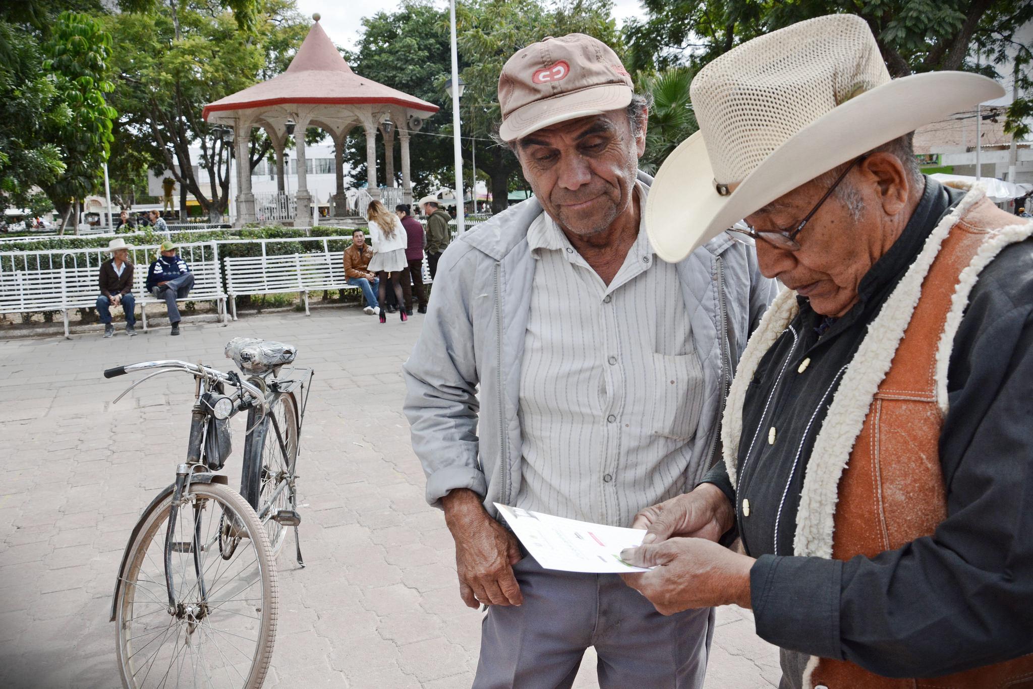Realiza Zapopan consulta ciudadana sin precedente en Tesistán; eligen vecinos obra para renovar la plaza principal