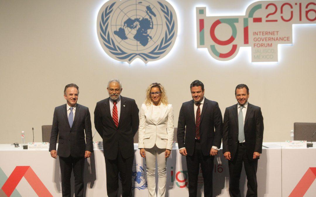 Pablo Lemus participa en la inauguración del Foro para la Gobernanza de Internet 2016