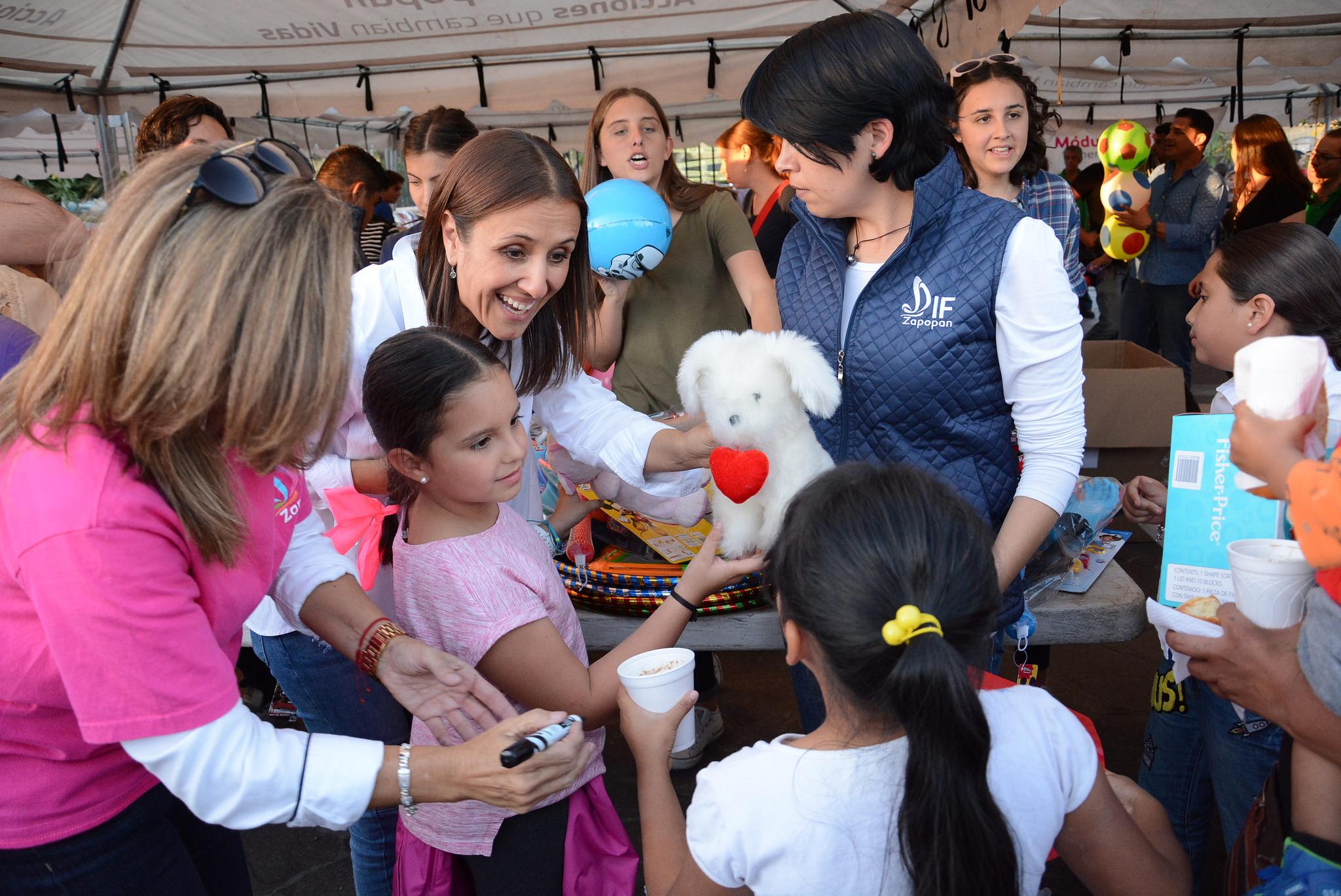 En el Día de Reyes, el Gobierno Municipal de Zapopan entrega más de 9 mil juguetes a niños y niñas