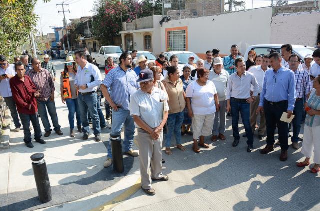 Pavimentación de vialidades en San Juan de Ocotán