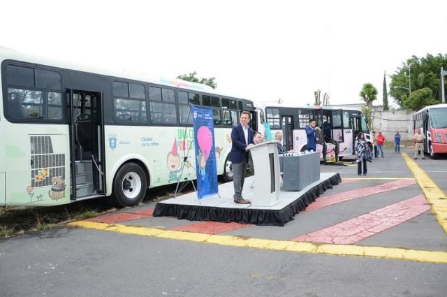 Entrega de autobuses