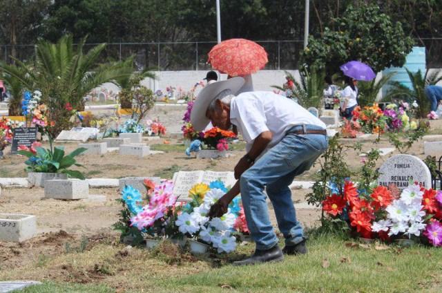 Termina con saldo blanco operativo en panteones de Zapopan con motivo del Día del Padre