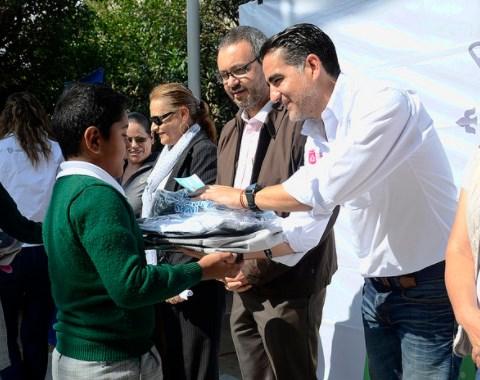 """Continúa la entrega de paquetes escolares del programa """"Zapopan, ¡Presente!"""" en apoyo a la economía familiar"""