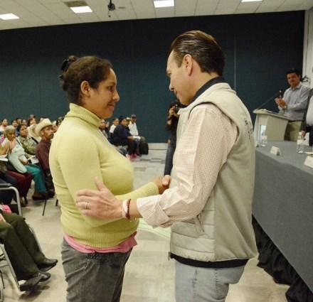 Zapopan otorga apoyos a familias vulnerables para dignificar sus viviendas