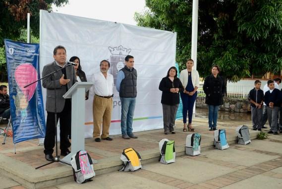 Continúa la entrega de paquetes escolares a 200 mil niños, niñas y adolescentes de Zapopan