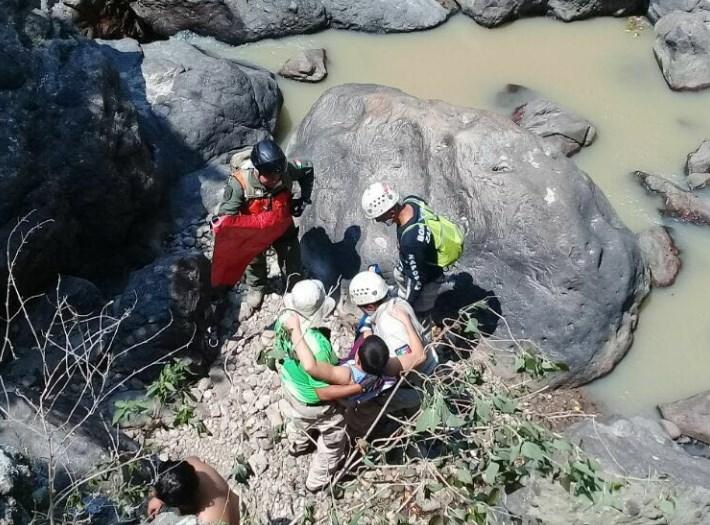 Labor coordinada de dependencias deZapopaneficienta rescate en Cascada de San Lorenzo, en Huaxtla