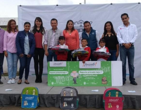 Zapopan protege y apoya la economía familiar con la entrega de paquetes escolares