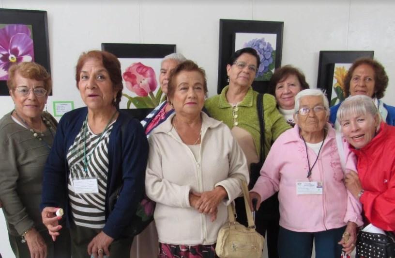 """DIF Zapopan inaugura exposición pictórica """"Flores mexicanas"""", con motivo del mes patrio"""