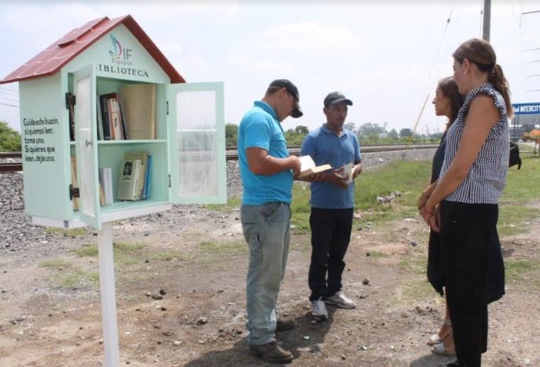 DIF Zapopan implementa 'Lecturas de Paso' para personas migrantes