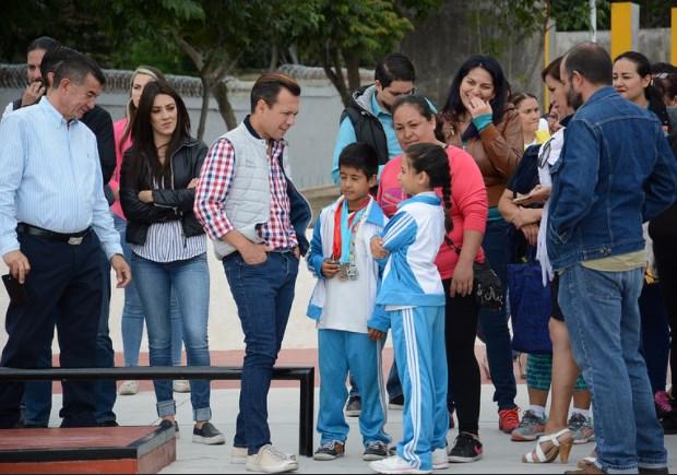 Entrega Zapopan, Ciudad de los Niños, la renovación integral de la unidad deportiva en Santa Margarita