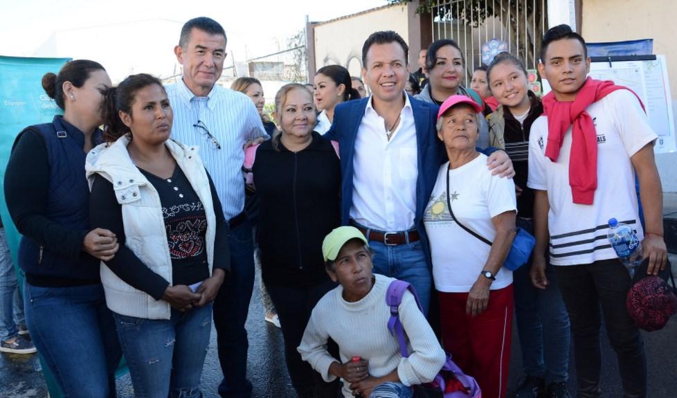 Entrega Zapopan reencarpetamiento de calle Prolongación Pino Suárez, en colonia El Vigía