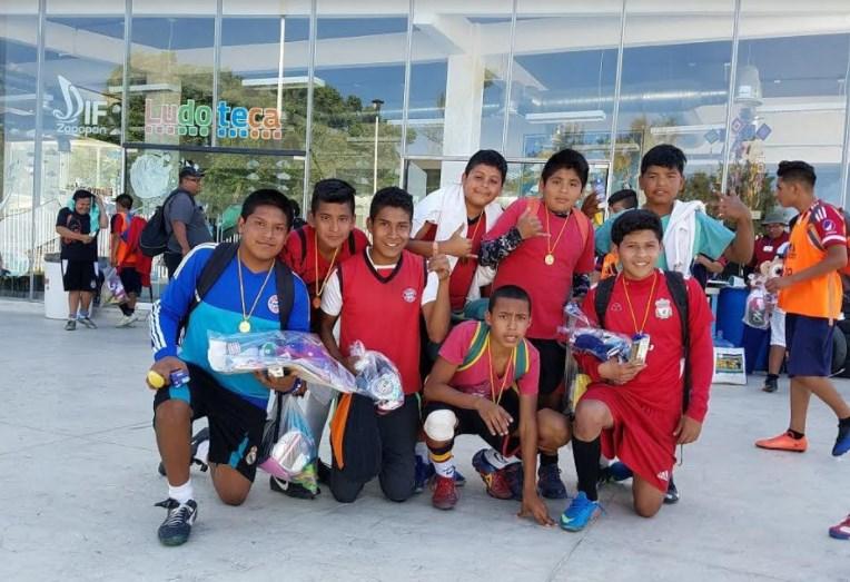 """DIF Zapopan realiza torneo de fútbol """"Cascarita Zapopana"""" para niñas, niños y adolescentes"""