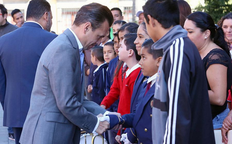 Entrega Zapopan, Ciudad de los Niños, instrumentos de banda de guerra a primarias y secundarias