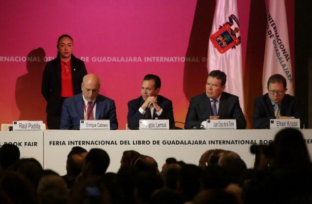 Pablo Lemus, presente en la inauguración de la 31° edición de la Feria Internacional del Libro (FIL)
