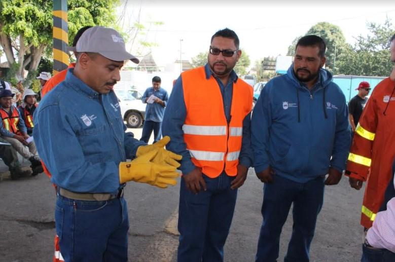 Estrena uniformes personal de Mejoramiento Urbano Zapopan