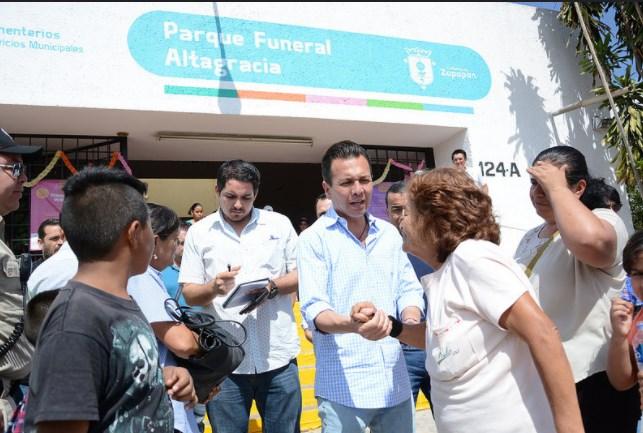 Visita Alcalde el Parque Funeral Altagracia y coordina operativo en el Día de Muertos