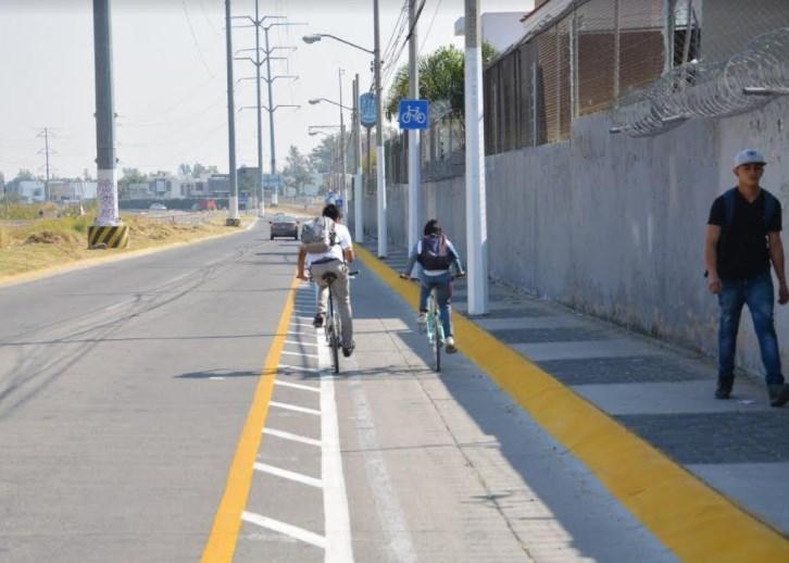 Renueva Zapopan señalamiento y ciclovía de Avenida Inglaterra