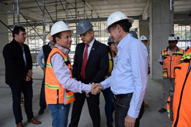 Inspecciona Pablo Lemus obras del Centro Integral de Servicios de Zapopan