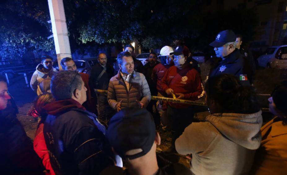 Brinda Zapopan atención a afectados por explosión en torre de departamentos