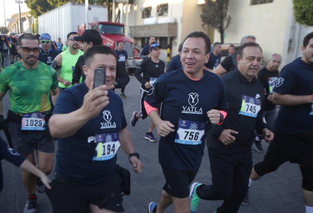 Pablo Lemus participa en la Quinta Carrera 5K y 10K Día del Policía Zapopan 2018