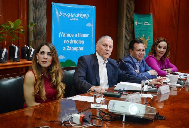 Refrenda Zapopan colaboración con Extra A.C. para impulsar la reforestación en el municipio