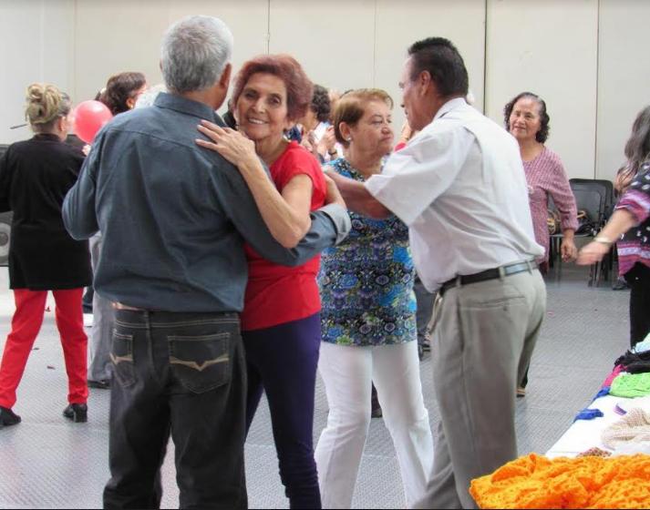 DIF Zapopan celebra a adultos mayores por el Día del Amor y la Amistad