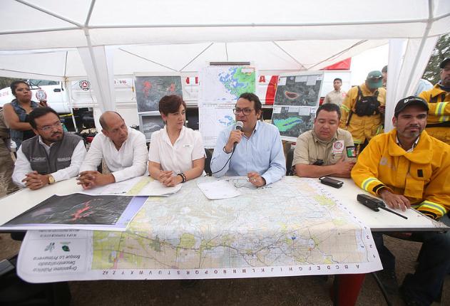 Articula Zapopan labores de combate con Estado y Federación para mitigar incendio en el Cerro de San Miguel