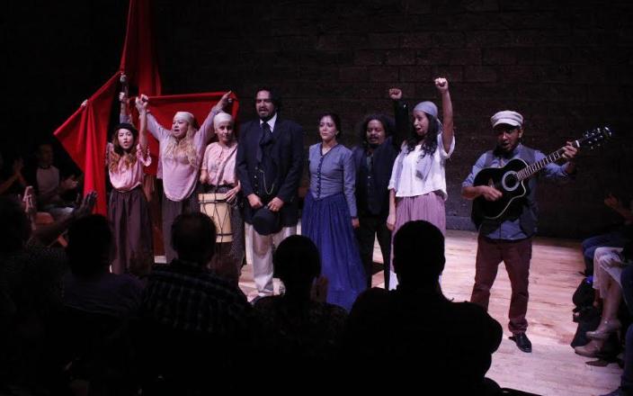 """PresentaZapopandoble función de la puesta en escena """"Marx en Guadalajara"""""""