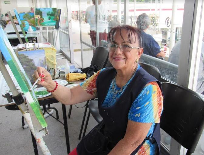DIF Zapopan brinda capacitación y talleres a adultos mayores