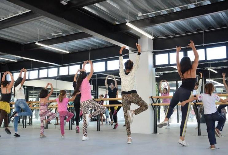 Llega 'Bailar en comunidad' al Centro Cultural Constitución, una expresión artística de los alumnos de danza del Colmena Miramar