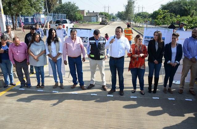 Dignifica Zapopan colonia Los Cajetes con infraestructura vial en concreto hidráulico