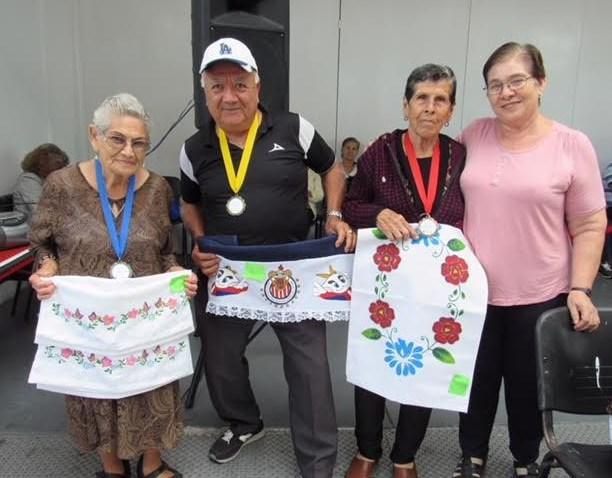 Adultos mayores de Zapopan demuestran su talento en Concurso de Artesanías