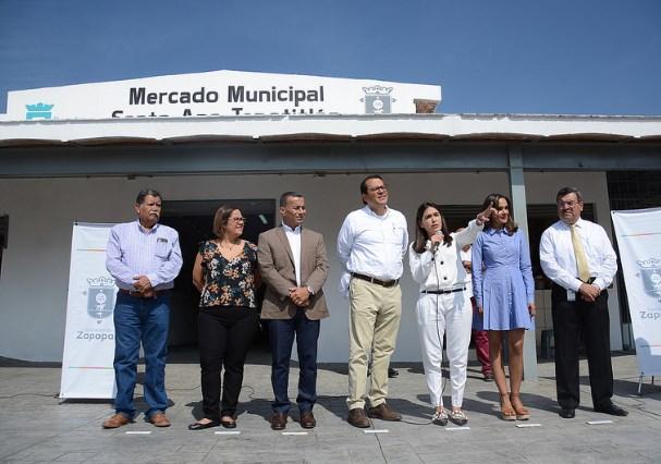 Inaugura Zapopan rehabilitación integral del Mercado Municipal Santa Ana Tepetitlán